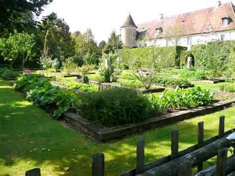 giardini medievali il giardino medievale l hortus conclusus trippando