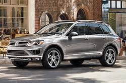 touareg review compare touareg prices features david maus volkswagen north