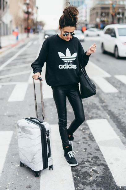 Jaket Hoodie Wanita Hello St Black sweater adidas sweatshirt black sweatshirt