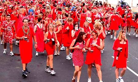 all join in red 0099964708 join the red dress dash on monday am 1310 the light