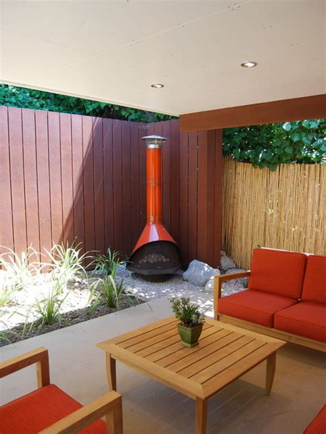 Mid Century Fireplace Design by 21 Stunning Midcentury Patio Designs For Outdoor Spaces