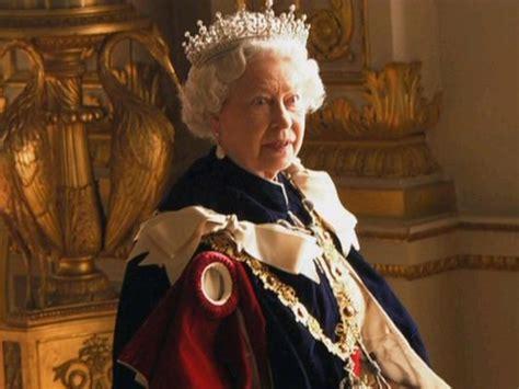 queen elizabeth song queen victoria vs queen elizabeth ii a tale of the tiaras