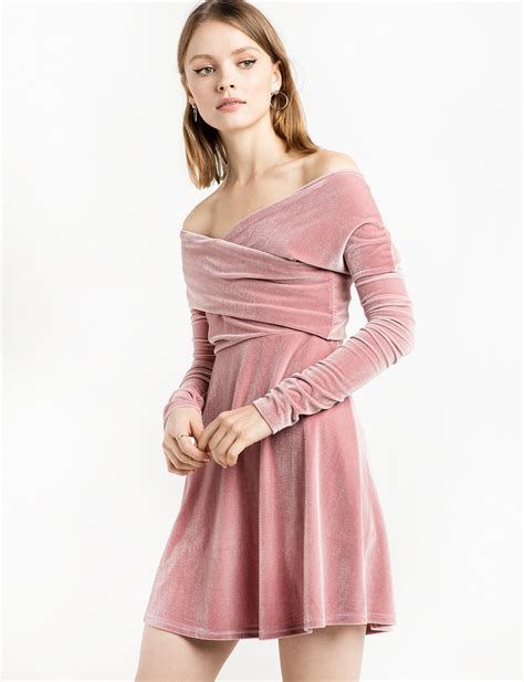Dress Valerie valerie dusty pink velvet the shoulder dress