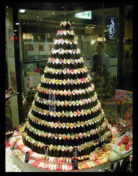 membuat pohon natal dari barang bekas 20 most wacky and non traditional christmas trees photo
