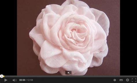fiori di stoffa come realizzarli i fiori di stoffa sono davvero bellissimi e realizzarli