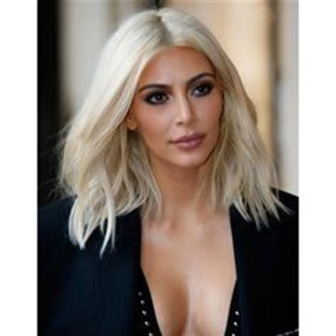 kim kardashian platinum blonde formula jennifer lopez shows off new short do jennifer lopez
