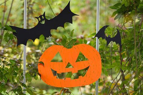 imagenes de halloween reciclables como hacer calabazas halloween para ventana o arbol con