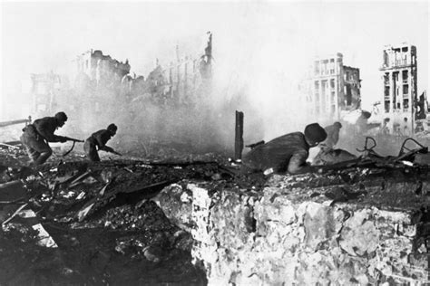 dk findout world war ii books battle of stalingrad facts for dk find out