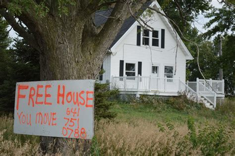 Free House Sign Attracts Attention Near Blairstown