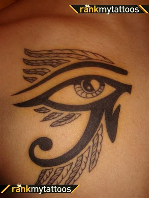 the eye of horus tattoo designs pi 249 di 25 fantastiche idee su tatuaggi egiziani su