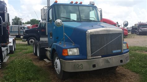 volvo commercial trucks for sale 100 automatic volvo semi truck for sale volvo