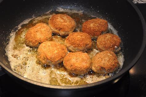 come cucinare le polpette di carne in bianco polpette impanate in padella