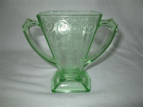 glass that glows black light glass that glows black light decoratingspecial com