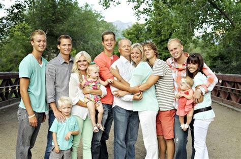 family photo color schemes family pictures color scheme family