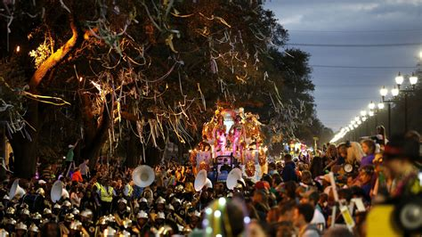 what are mardi gras made of times roll at mardi gras bacchus parade
