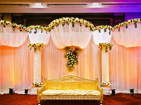 Colorful Flower Decorated Wedding Couple Stage for Indoor