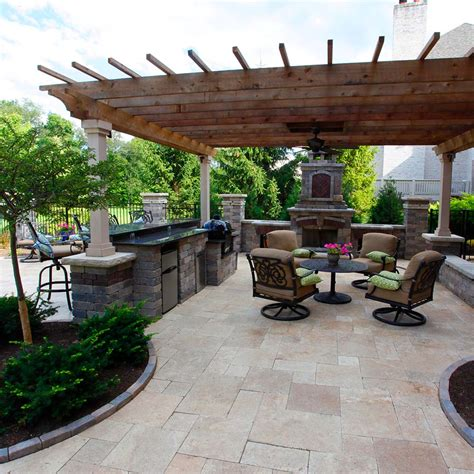 covered outdoor living spaces custom outdoor living