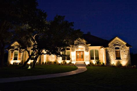 How To Landscape Your Front Yard Cincinnati Outdoor Lighting Led Landscape Lighting Tepe