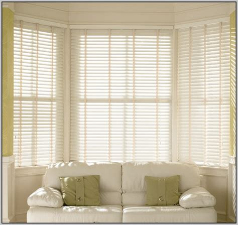 Blinds And Curtains Together Venetian Blinds And Curtains Together Curtain Home Decorating Ideas Hash