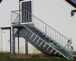verzinkte treppen treppen uwe bollhorst landtechnik schlosserei