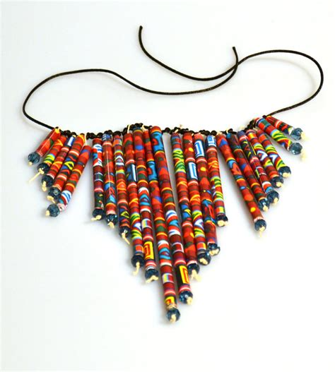 Paper Bead Craft - paper neklace 1 by makamdem on deviantart