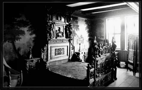 haunted mansion bedroom haunted bedroom by fuchsia groan on deviantart
