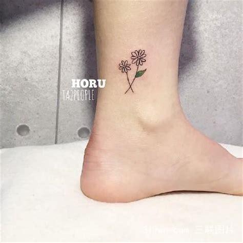脚腕上的纹身