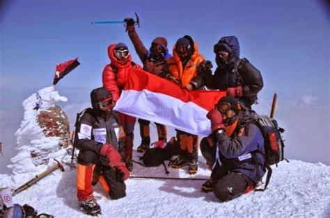 film petualangan pendakian video dokumenter dan cerita pendakian everest 1997 by