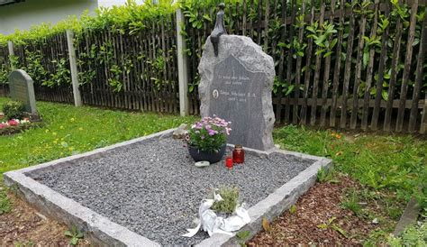 Grabgestaltung Mit Kieselsteinen 2784 grabgestaltung mit kieselsteinen die besten 17 ideen zu