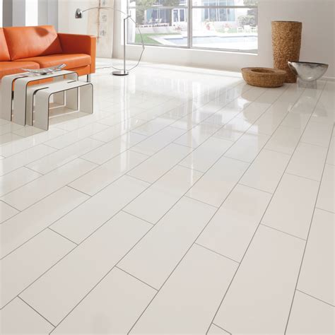 Elesgo Supergloss V5 White 7.7mm AC3 Laminate Flooring