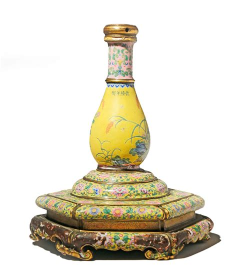 Ming Vase Auction car boot vase sells for 50000 at salisbury auction