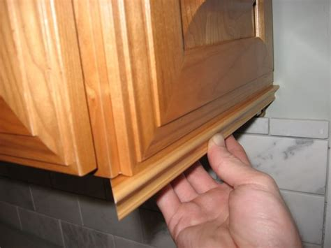 kitchen cabinet door trim molding best 25 cabinet trim ideas on kitchen