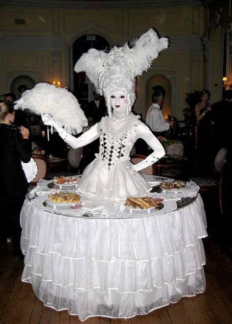 how to dress a table screaming entertainment april 2006