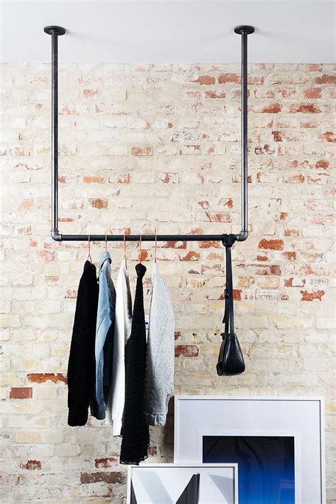 kleiderstange deckenmontage kleiderstange aus industrierohren f 252 r die decke