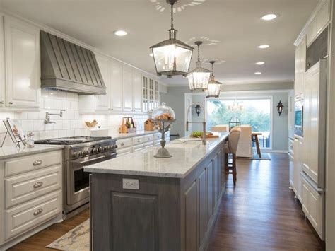 fixer kitchen cabinets best 25 fixer kitchen ideas on colored