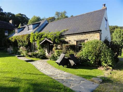 the farmhouse picture of clydey cottages pembrokeshire