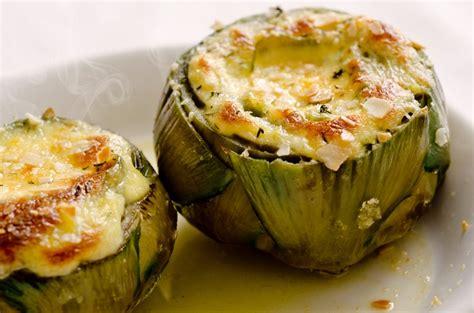 come si cucinano i carciofi alla giudia alcachofas rellenas de virutas de jam 243 n ib 233 y queso brie