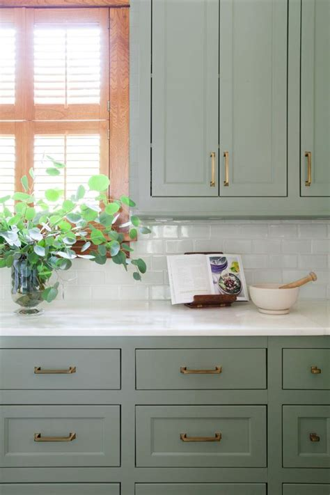 green kitchen cabinet best 25 sage green kitchen ideas only on pinterest sage