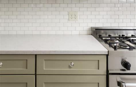 how to put up backsplash tile how to put up a tile backsplash around plugs in ceramic