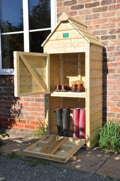 welly hut  simple garden furniture ideas diy garden