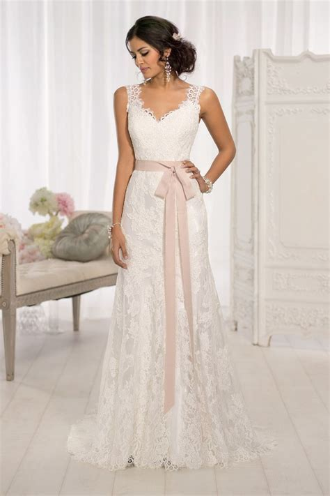 The 25 Most Popular Wedding Gowns of 2014   Wedding, Style