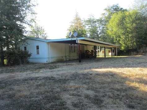 houses in seaside oregon 81763 tree rd seaside or 97138 foreclosed home