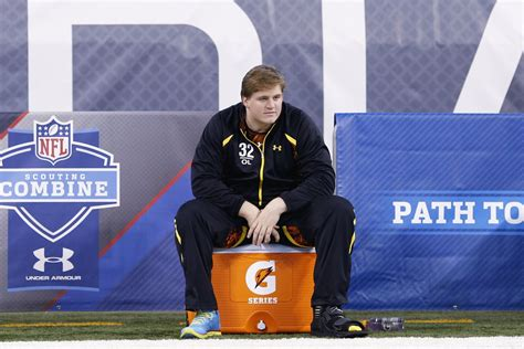 manti te o bench press 2013 nfl combine results barrett jones has explanation