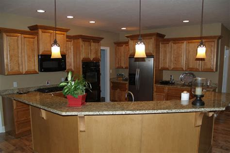kitchen wall colors oak cabinets what wall color in kitchen with oak cabinets