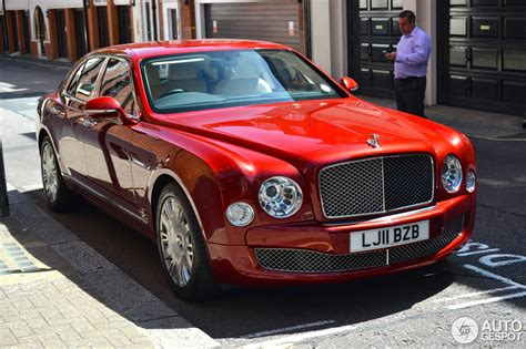 red bentley mulsanne bentley mulsanne 2009 15 july 2013 autogespot