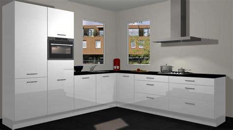 witte hoogglans hoekkeuken hoekkeuken in hoogglans wit voorraad keukens