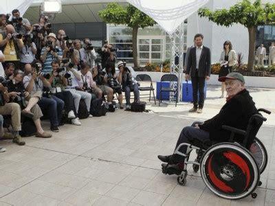 bertolucci sedia a rotelle cannes onore a bernardo bertolucci it