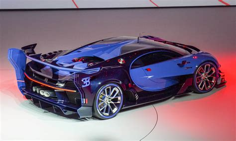 bugatti experience show highlights high performance automotive content