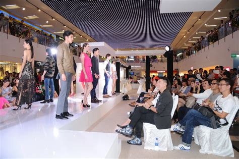 Fashion Shopping 51 N merry nexmas fashion show at nex shopping mall singapore kingsmen ooh media alternative