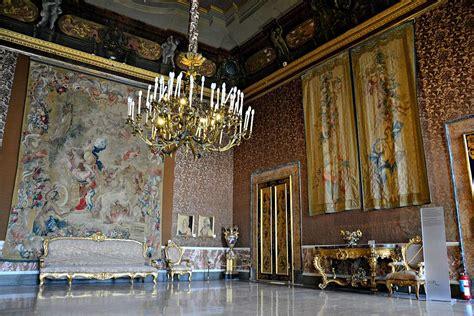 real mobili napoli file sala v palazzo reale di napoli 001 jpg wikimedia
